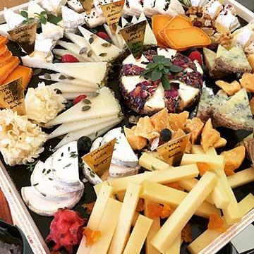 ATELIER-DEGUSTATION PROFESSIONNEL SPONSORISE PAR LA N.T.A. «Accords fromages de saison et sakés» au Salon Européen du saké et des boissons japonasies